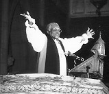 Photograph of Archbishop Desmond Tutu at Trinity Cathedral